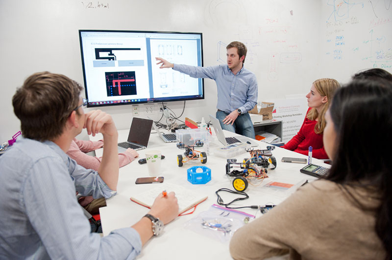Students collaborate in the Sherman Center for Engineering Entrepreneurship Education