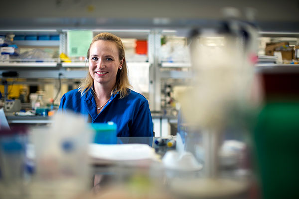 portrait Abigail Koppes in her lab